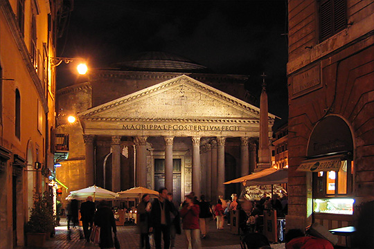 Pantheon, night view. www.toannthai.com/italy2003/rome2003